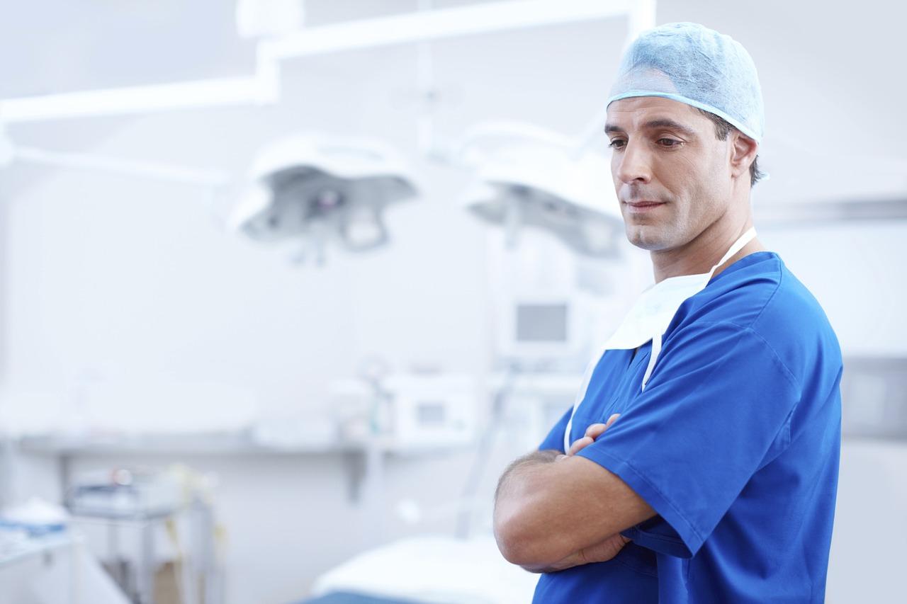 Comment se former pour devenir chirurgien orthopédiste?