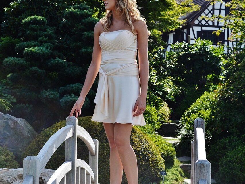Les jolies paires de chaussures à porter avec une robe
